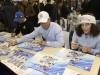Gli azzurri Brignone, Deville e Blardone firmano autografi (Credits: Pentaphoto/Dida)